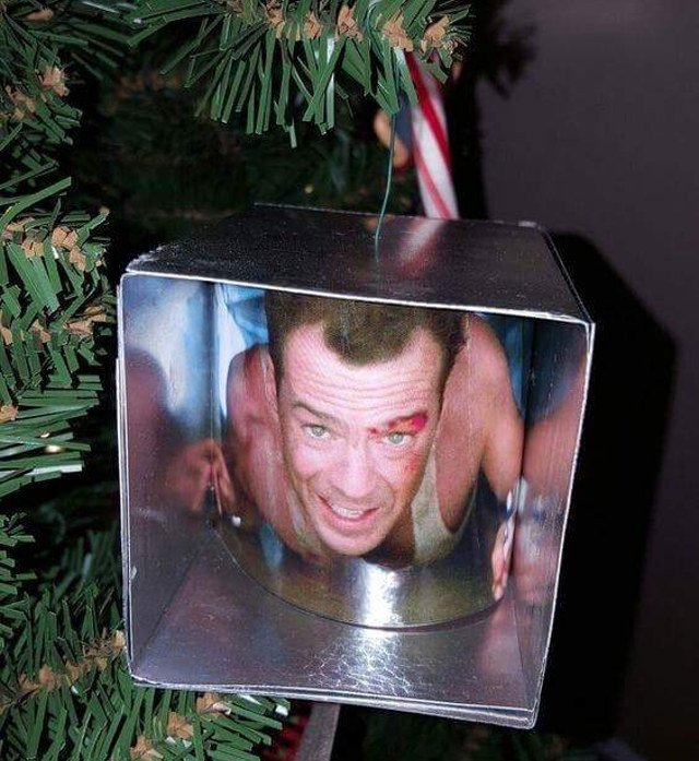 die-hard-christmas-ornament